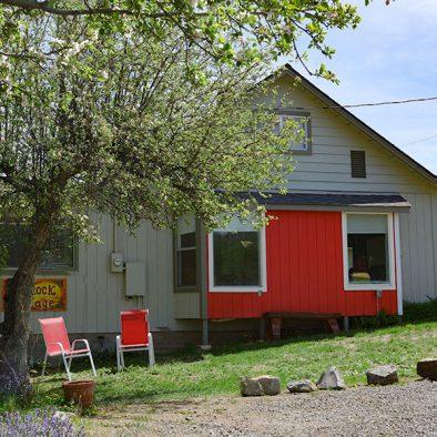rimrock cottage rental painted hills