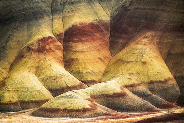 Painted-Hills-Undulations-600